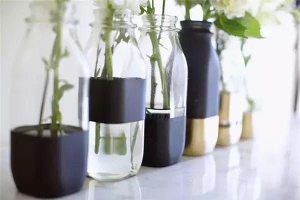 Don't throw any more bottles and cans at home, just change them.